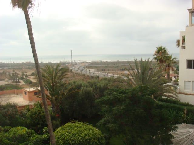Appartement à louer meublé à Ain Diab avec vue mer