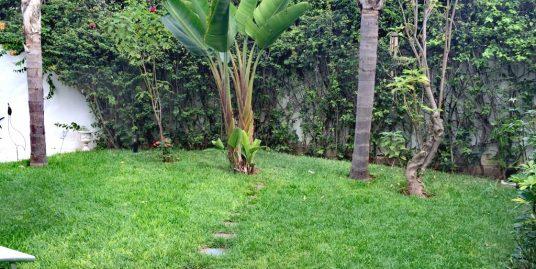 Coquette villa avec jardin à louer à l'oasis